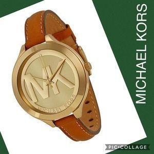 💚 Michael Kors Slim Runway Champagne Dial Watch💚